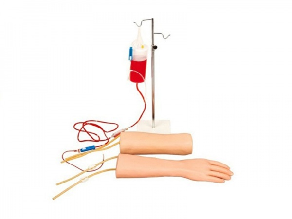 KAY-S18手部、肘部组合式静脉输液(血)训练模型 产品特点:  手臂皮肤是由进口材料制作的,皮肤表面有真实可见而且可触摸到的静脉。  在肘窝和沿着前臂的地方有静脉分布,在任何常见的位置练习静脉穿刺。  当穿刺皮肤和静脉时,皮肤会有起伏,手感明显。当针头正确刺入血管时有真实的回血产生。在正常使用下,可进行数百次穿刺。  可进行IVS和经静脉导入。